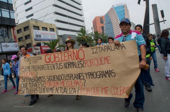 Marchan maestros del DF y EdoMex vs la Reforma educativa.
