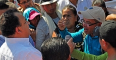 Familiares de los 43 normalistas se manifiestan en la Costera de Acapulco